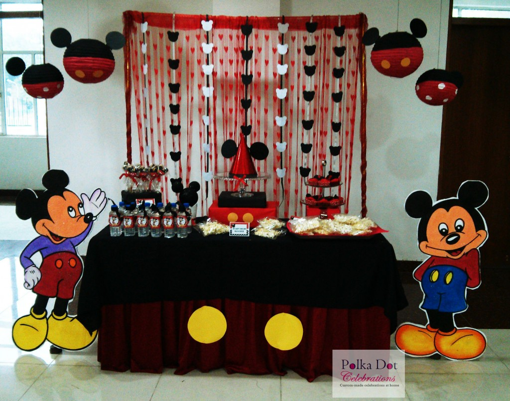 Mickey Mouse Themed Party